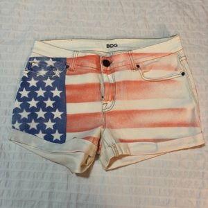 UO BDG Mid Rise Denim Shorts